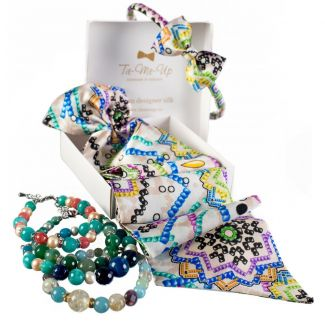 Luxury gift: Candy Bar Frill Scarf and Bowed Headband