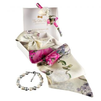 Luxury gift: Sweet Caroline Frill Scarf and Bowed Headband