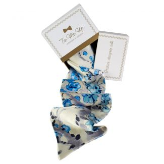 Luxury gift: C'est Moi Silk Scarf and Bow