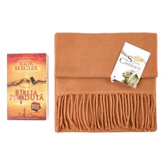 Gift Cashmere Foulard Camello and bestseller Biblia Pierduta