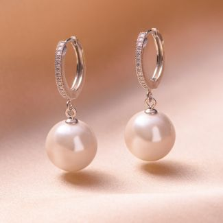 Cercei argint New Look perla scoica alba