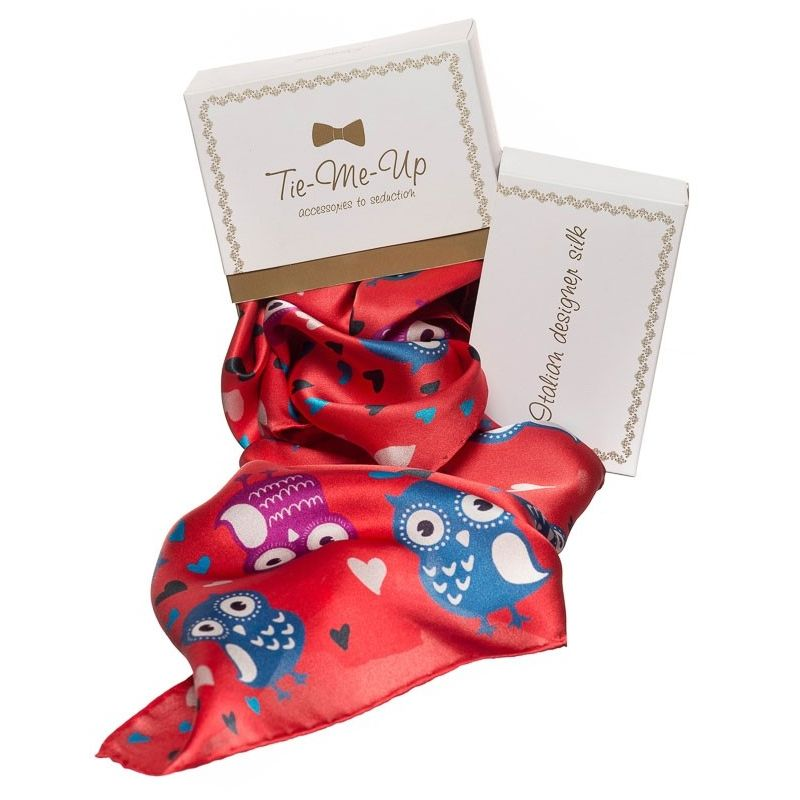 Gift: Red Owls Gaia Squared Scarf