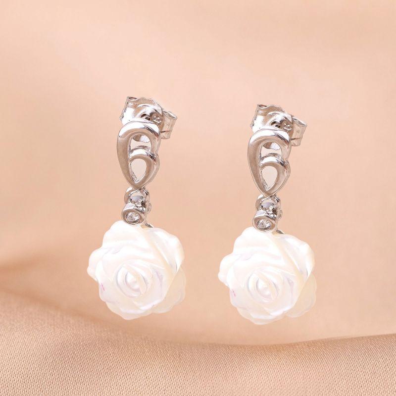 Cercei argint cu floare sidef alb