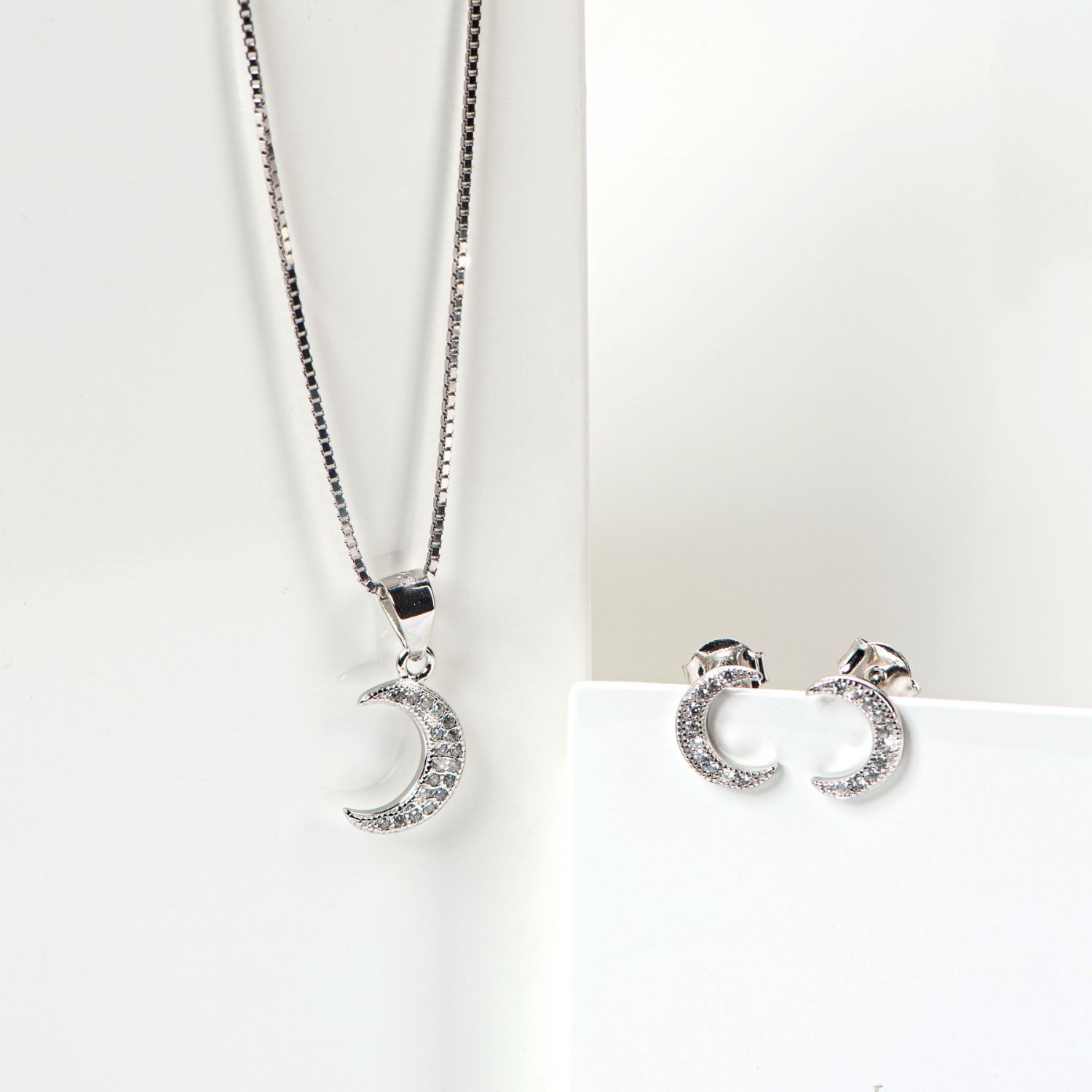 Sterling Silver Earrings, Chain and Pandant White Moonlight