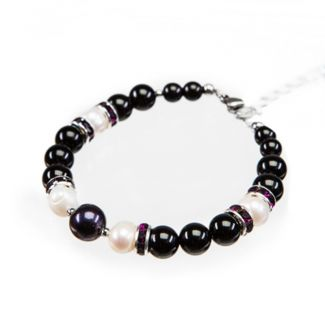 Onyx and white pearl bracelet