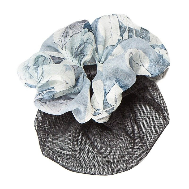 Accessory bake blue and white