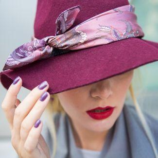 Esarfa matase Marina D`Este London Club roz prafuit