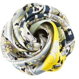 GIFT: Silk scarf and hair rose Mayfair