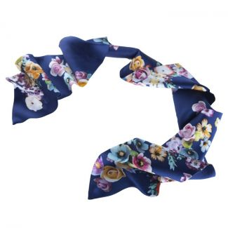 Blue flower bouquet scarf