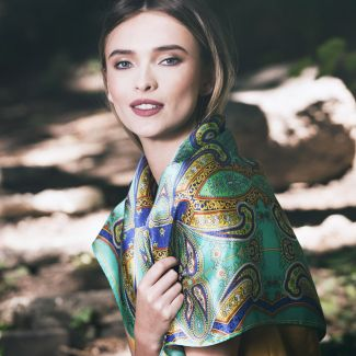 Inside Beauty paisley turcoise Silk scarf