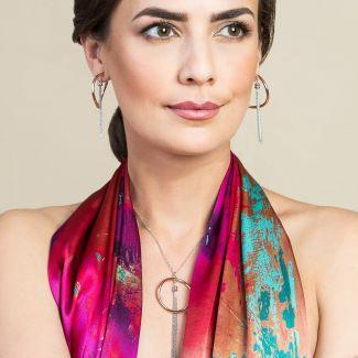 Cadou: Sal matase Laura Biagiotti Street Fashion fucsia si Colier argint Easy Way