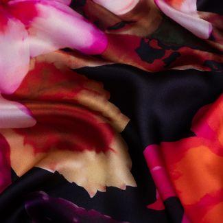 Esarfa matase Floral Obsession black